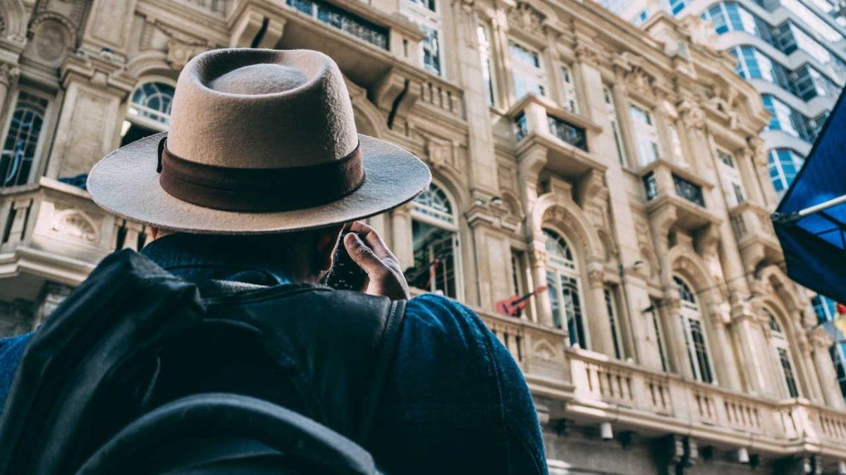 Turista, slika: https://www.pexels.com
