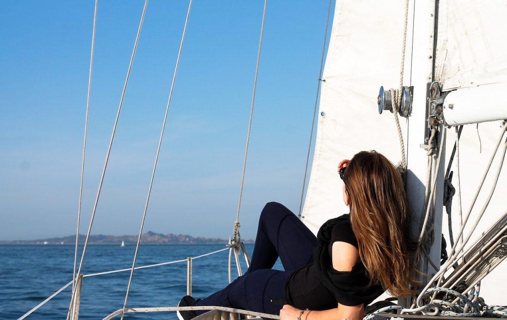 Devojče na brodiću
