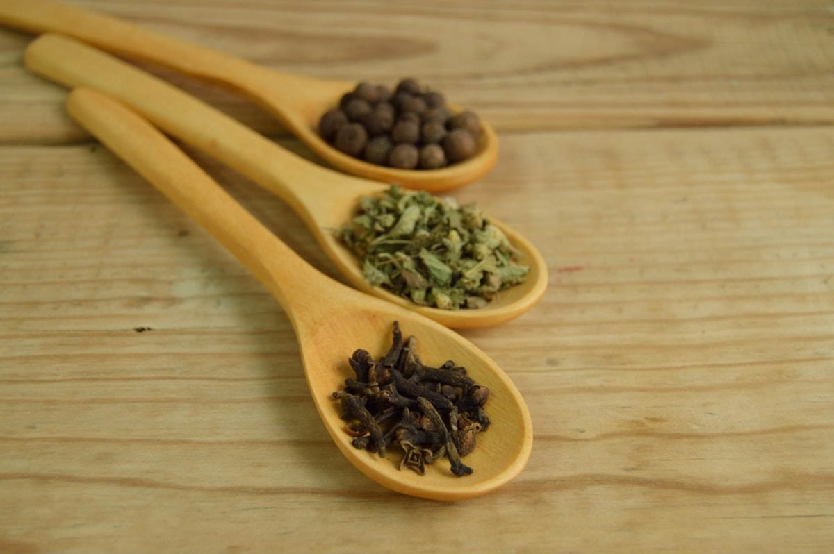 Prirodni lekovi koje svako domaćinstvo treba da ima